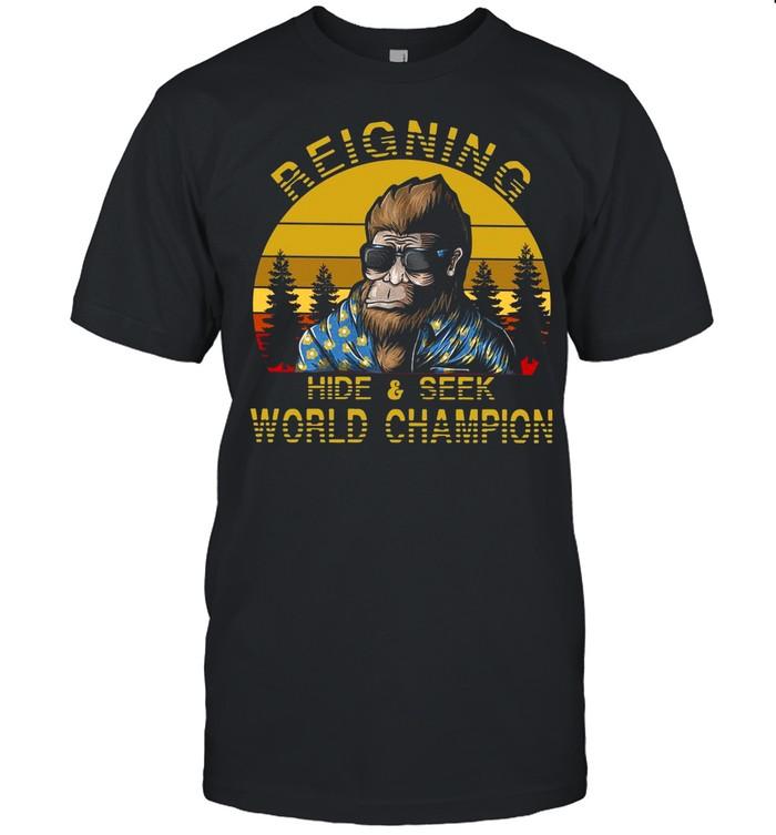The Bigfoot Reigning Hide And Seek World Champion 2021 Vintage shirt Classic Men's T-shirt