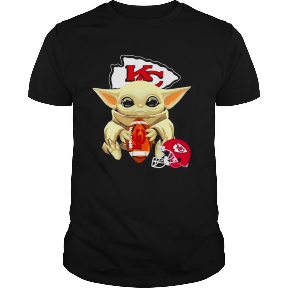 Baby Yoda hug Kansas City Chiefs shirt Classic Men's
