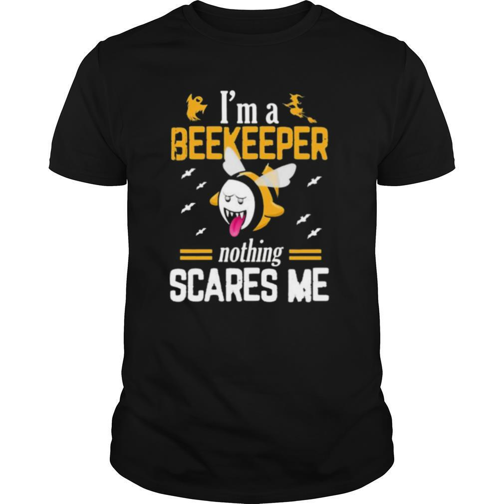 Halloween i'm a beekeeper nothing scares me shirt Classic Men's