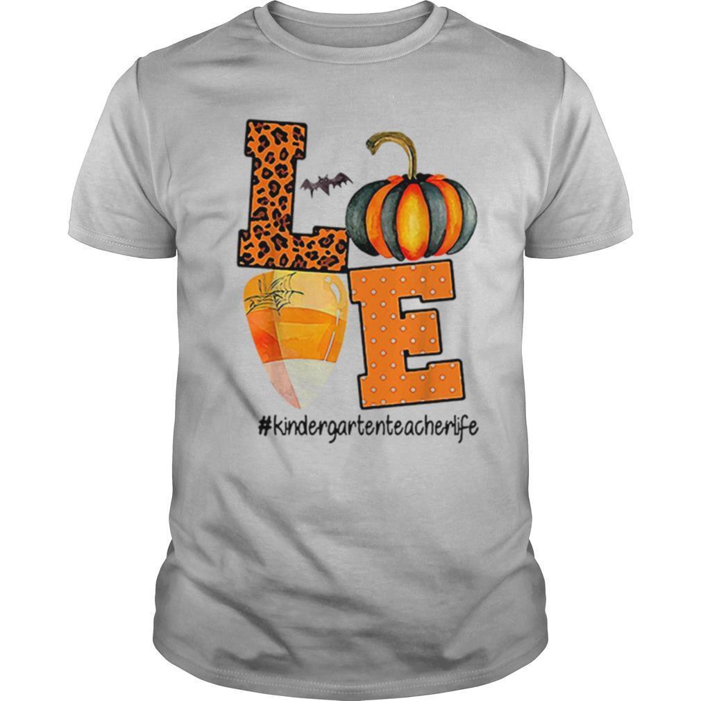 Love Kindergarten Teacher Life Halloween shirt Classic Men's