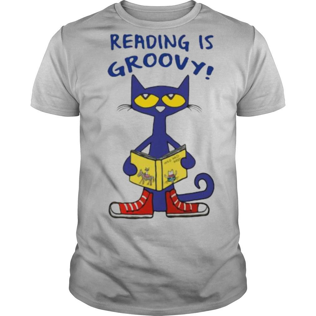 Cat reading is groovy shirt Classic Men's
