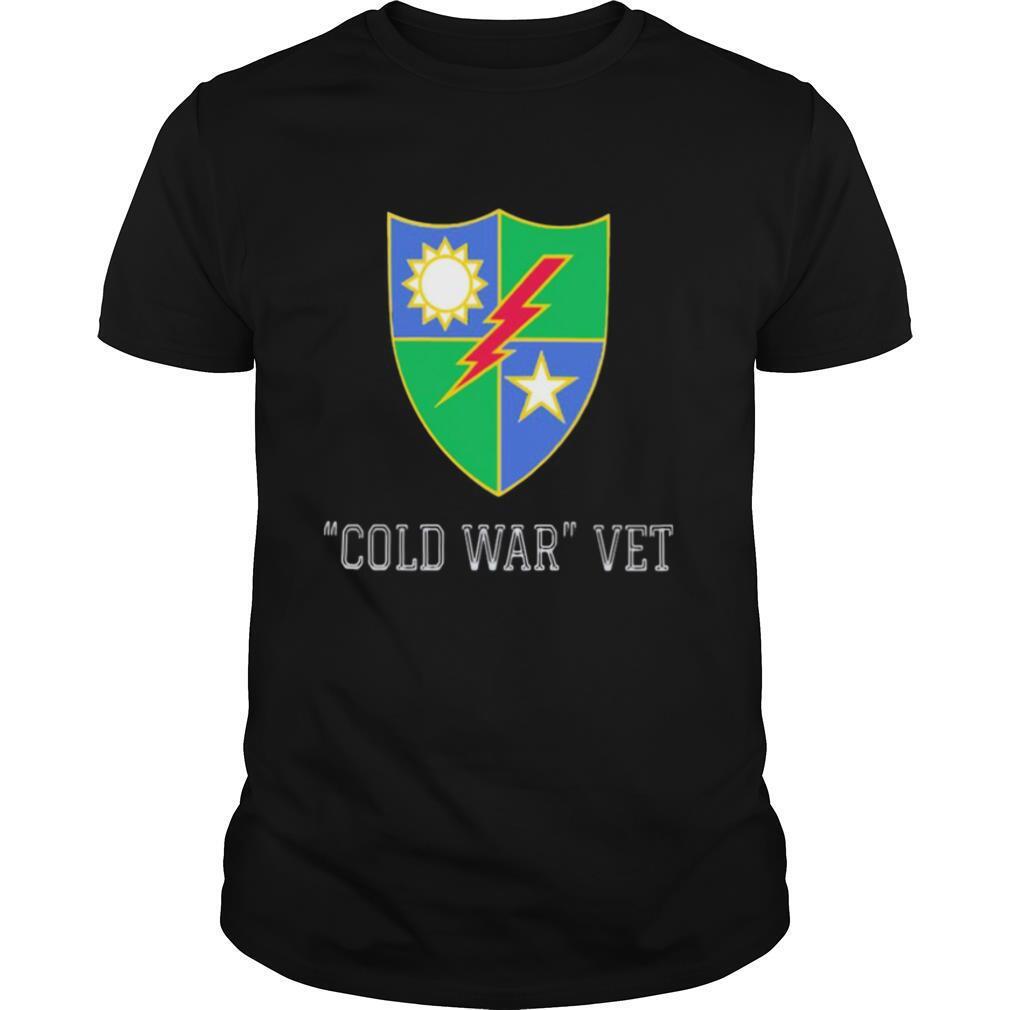 Cold war vet national emblem sun star shirt Classic Men's