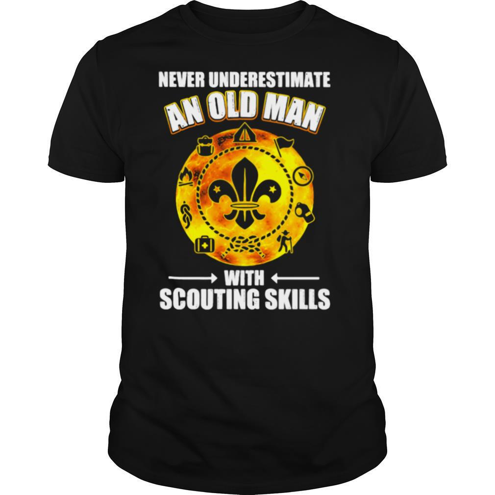 Never underestimate an old man with scouting skills shirt Classic Men's