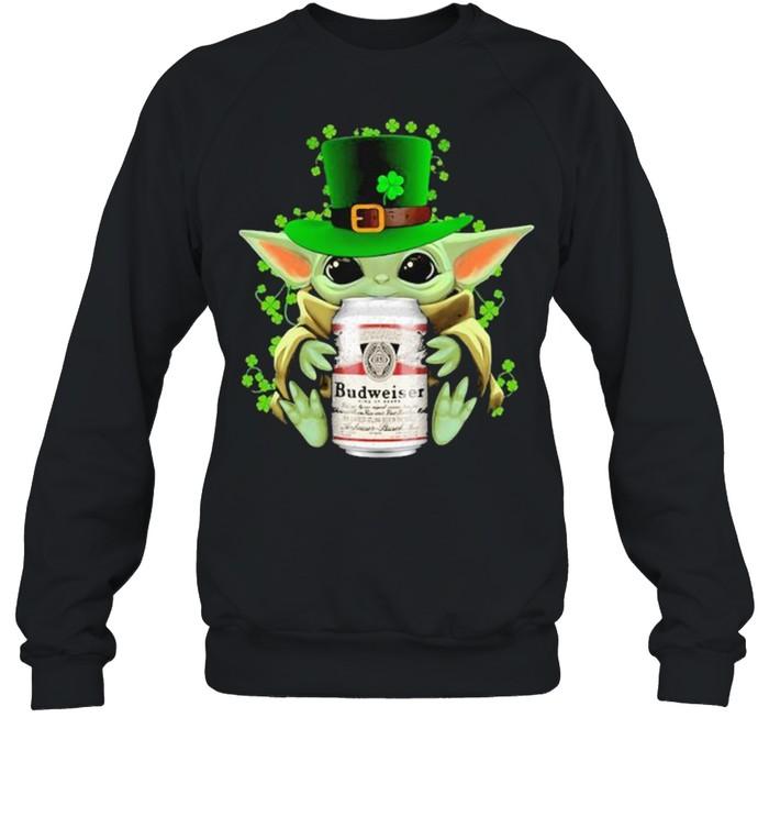 Baby Yoda Hug Budweiser Irish Patricks Day Unisex Sweatshirt