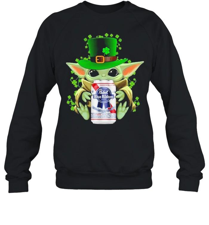 Baby Yoda Hug Pabst Blue Ribbon Irish Patricks Day Unisex Sweatshirt