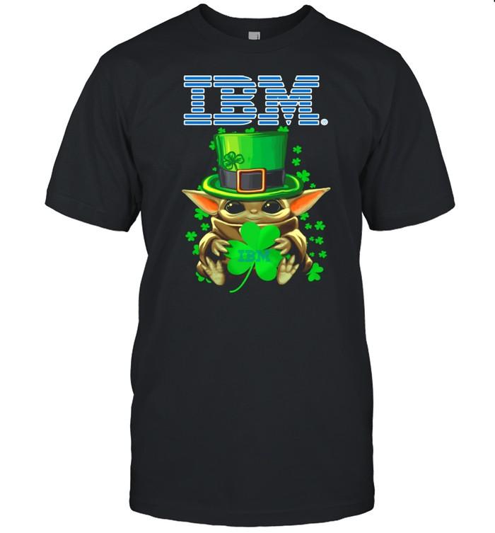 Baby Yoda Hug A Three Leaved Clover Lucky shirt Classic Men's T-shirt