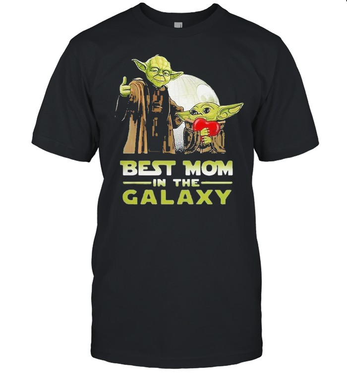 Nice master Yoda and baby Yoda best mom in the galaxy Star wars shirt