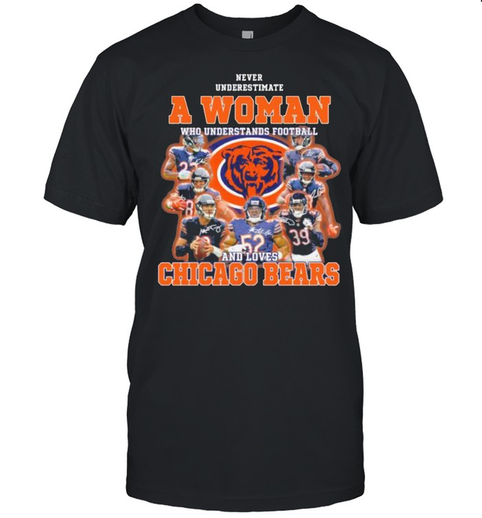 Never Underestimate An Old Man Who Understands Football Chicago Bears Signature  Classic Men's T-shirt