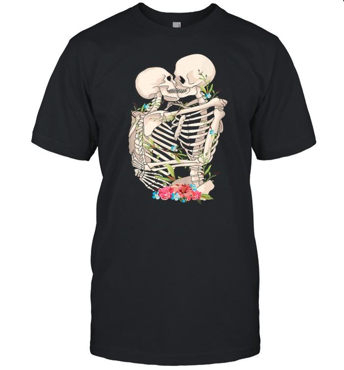 Scary Kissing Skeletons shirt Classic Men's T-shirt