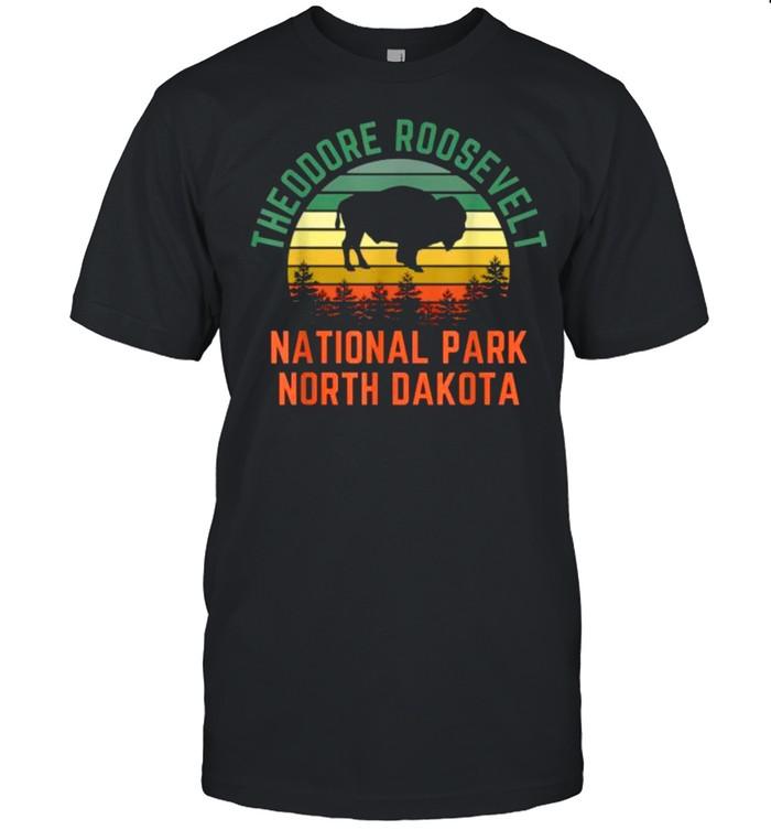 Theodore Roosevelt National Park North Dakota Buffalo Vintage T- Classic Men's T-shirt