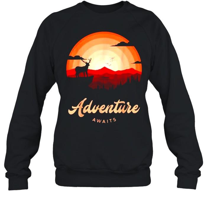 Adventure Awaits Vintage Sunset Mountain Deer Forest T- Unisex Sweatshirt