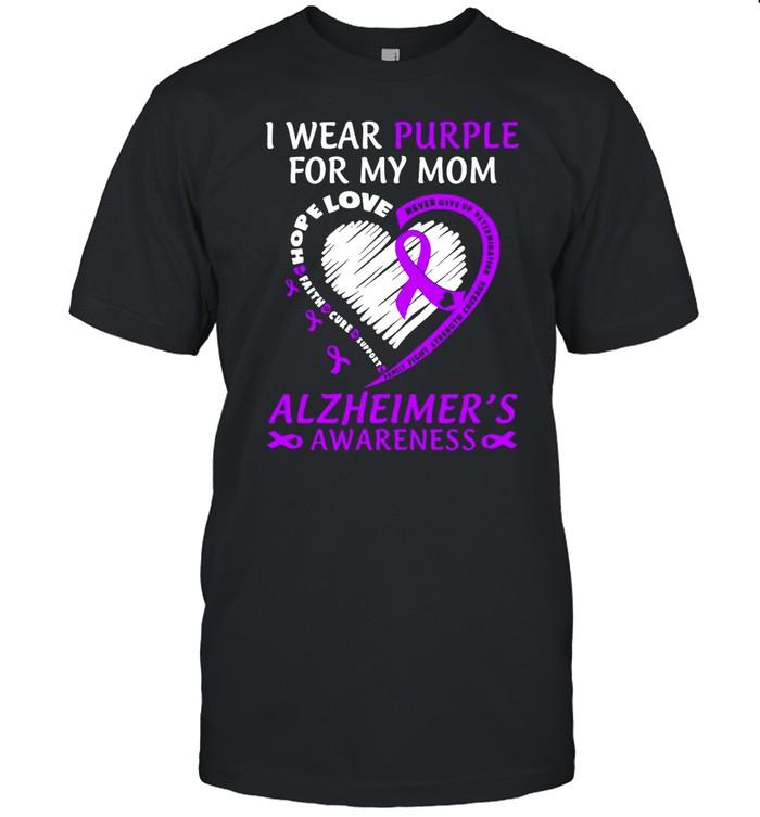 I Wear Purple For My Mom Alzheimers Awareness  Classic Men's T-shirt
