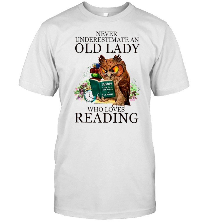 Owl Never Underestimate An Old Lady Who Loves Reading Book shirt Classic Men's T-shirt