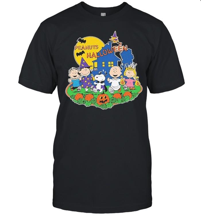 Snoopy and Peanuts Halloween shirt Classic Men's T-shirt